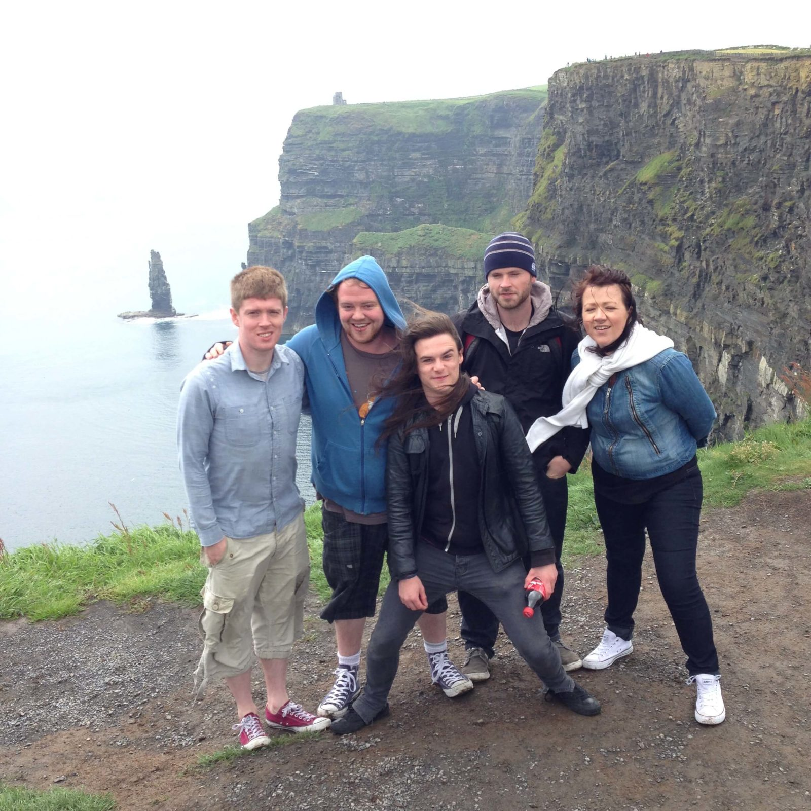 Isaacs hostel go to Cliffs of Moher